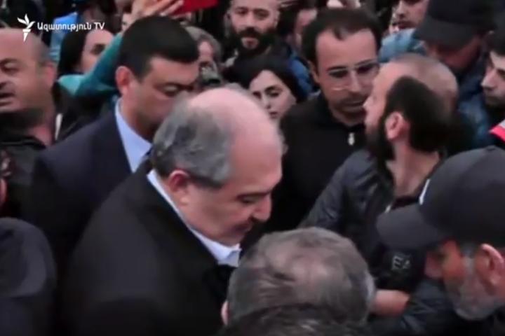 Президент Вірменії вийшов до учасників протесту проти прем'єра