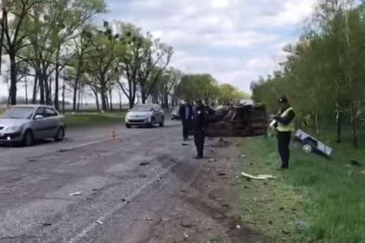 Натрасі Київ-Черкаси уДТП загинули чоловік татрирічна дитина