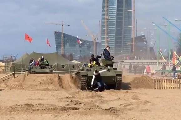 УПетербурзі танк переїхав двох дітей