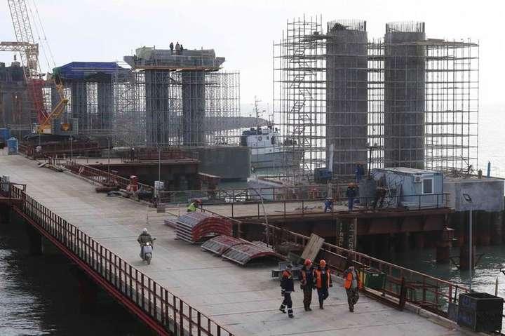 Дві нідерландські компанії підозрюють вучасті вбудівництві Керченського моста