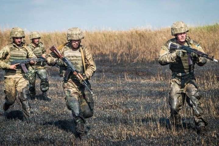 """Доба на Донбасі: окупанти порушили """"тишу"""" 15 разів, один військовий поранений"""