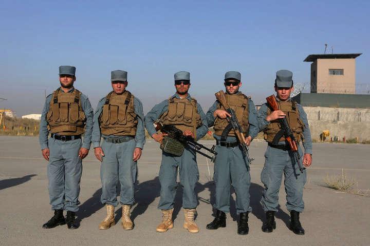 ВАфганістані умечеті пролунав вибух, 13 людей загинуло