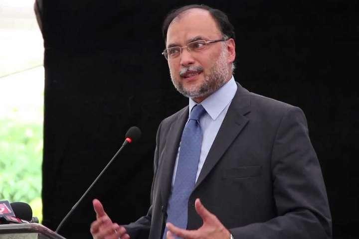 УПакистані скоїли замах на міністра внутрішніх справ