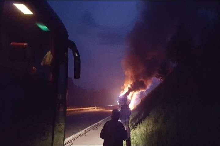 Прямісінько находу: УХорватії спалахнув автобус із туристами