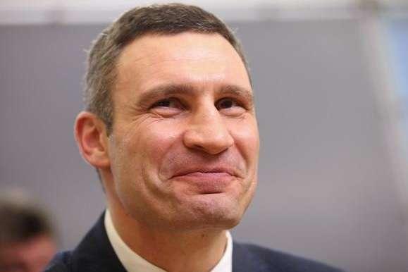 Кабмін збільшив посадовий оклад мера Києва