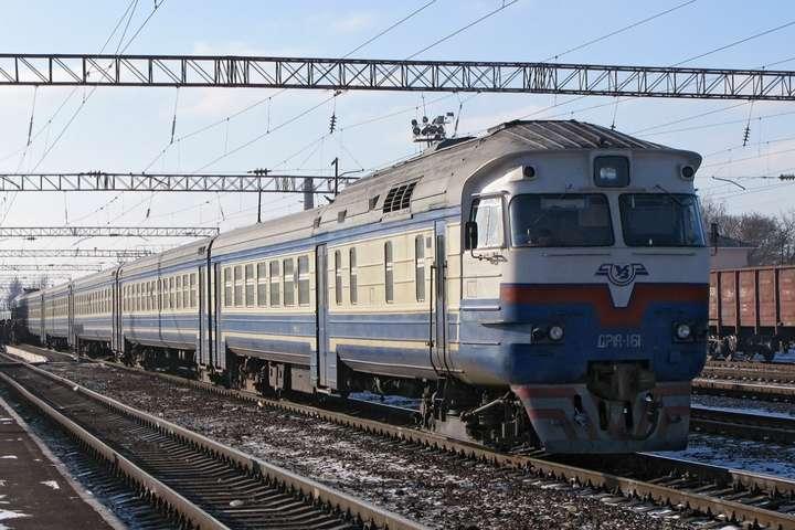 «Укрзалізниця» до кінця року запровадить нову технологію прибирання увсіх поїздах