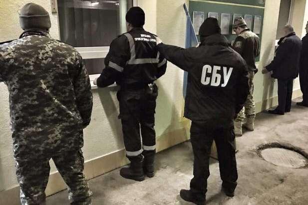 На Закарпатті на хабарі затримали начальника відділу митного поста «Солотвино»