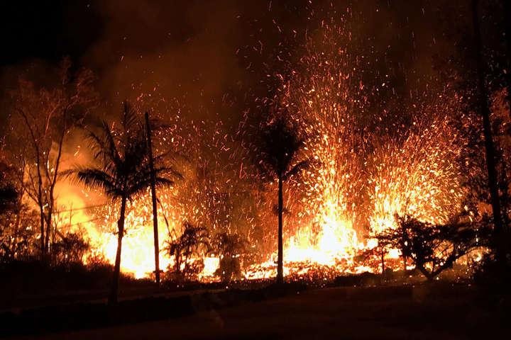 Виверження вулкана Кілауеа: наГаваях оголосили максимальний рівень небезпеки для авіації