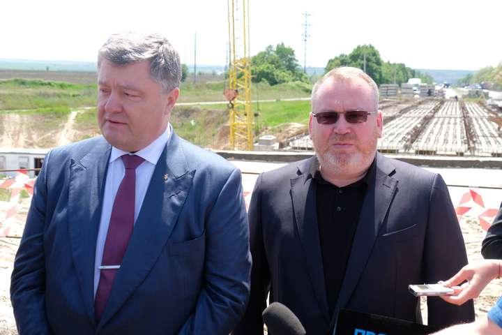 Масштабний ремонт доріг на Дніпропетровщині став можливим завдяки децентралізації, - Порошенко