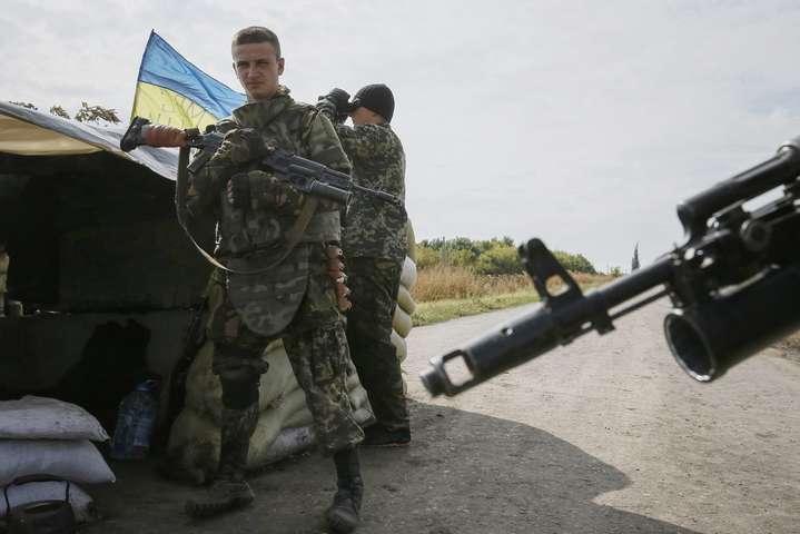 Українські військові звільнили від бойовиків село на Донеччині