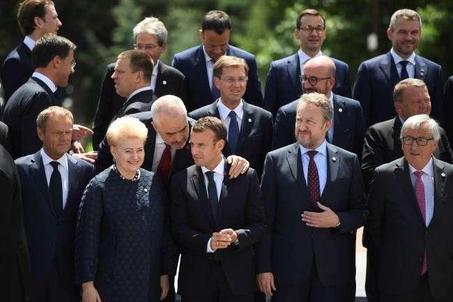 Минулого тижня у Софії пройшов «балканський» саміт ЄС. Його мета – підтвердити європейську перспективу для Албанії, Сербії, Чорногорії, Боснії та Герцеговини, Македонії та Косово — Євроінтеграція без членства. Чому Україні не треба впадати у відчай?