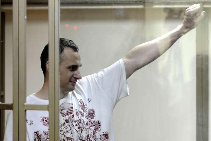 spanОлег Сенцов, ув'язнений в російській колонії, голодує 22-й день/span - Сенцова примусово годуватимуть у разі загрози його життю, - режисер
