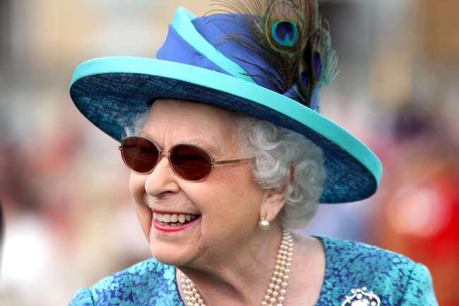 Єлизавета ІІ перенесла операцію