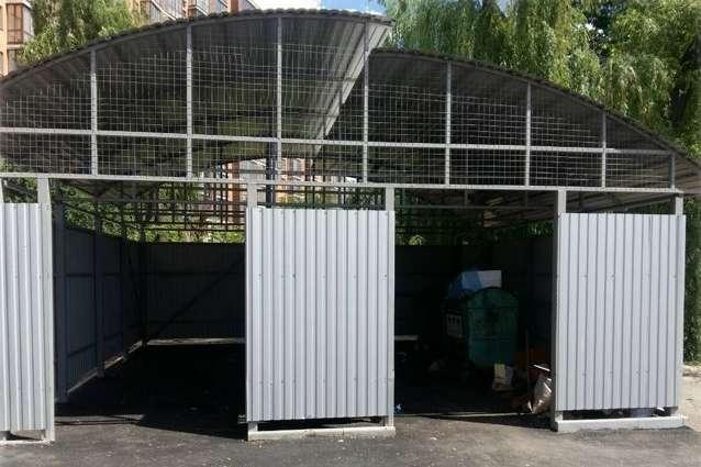 У Вінниці продовжують облаштовувати контейнерні майданчики для сміття