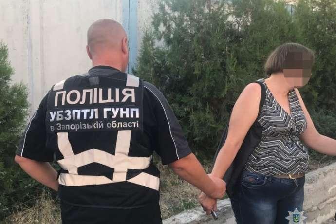 На Запоріжжі мати намагалася продати сина за 50 тисяч гривень