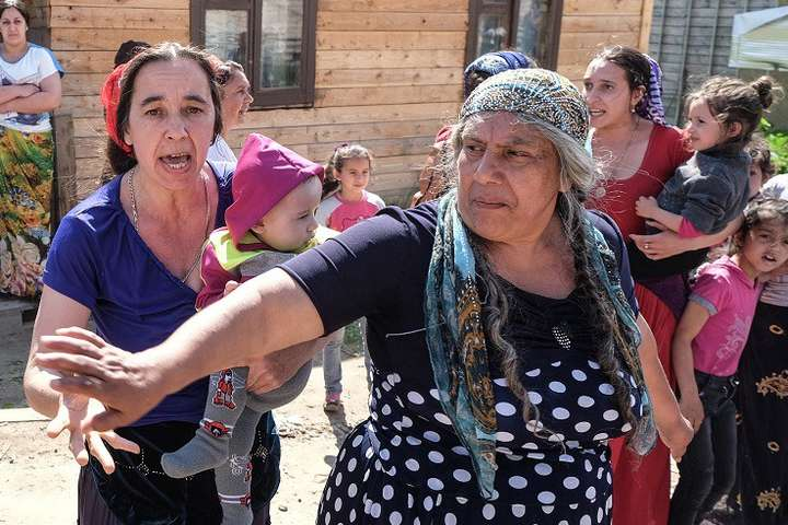 Роми — Ромські погроми. Рука Кремля чи домашня ксенофобія?