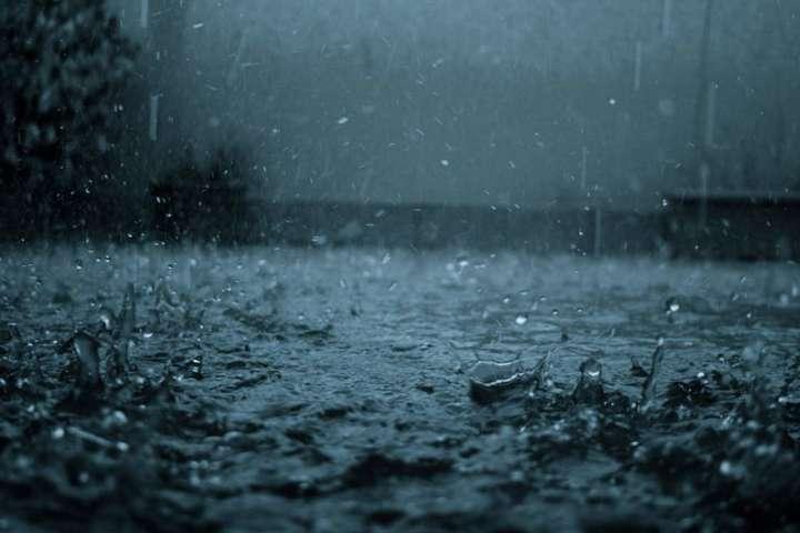 Прогноз погоди на неділю: Україну накриють дощі з грозами