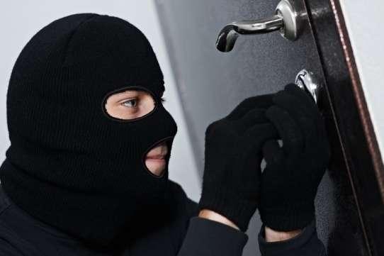 У Києві заарештували групу квартирних крадіїв