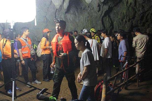 """Результат пошуку зображень за запитом """"діти в таїланді в печері"""""""