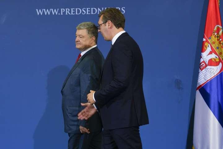 УСербії Порошенко таВучич проводять переговори віч-на-віч