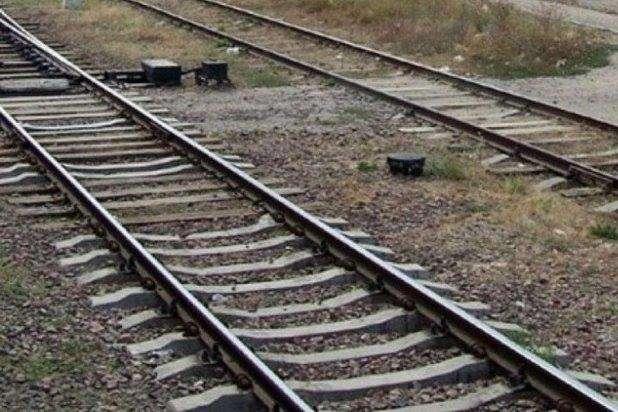 У Львові поїзд збив двох людей: жінка загинула