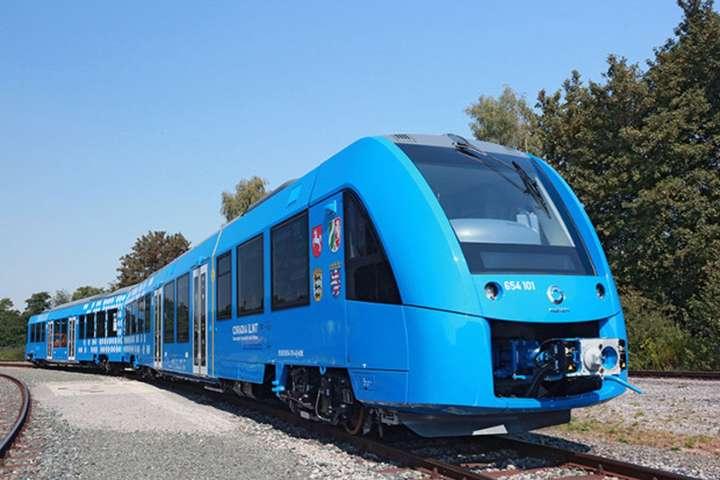 У Німеччині запустять пасажирські потяги на водневому паливі