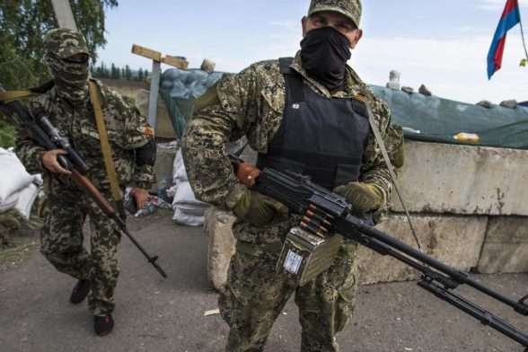 В окупованому Сєдово бойовики з автоматами розігнали дискотеку