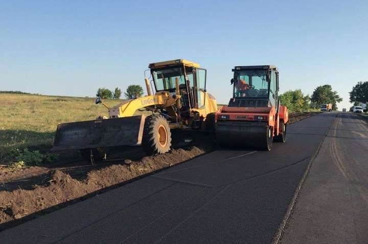 У Мінінфраструктури назвали області, які найгірше освоюють кошти на ремонт доріг