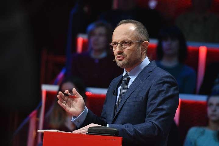 Екс-віце-прем'єр-міністр Роман Безсмертний - З Угорщиною не треба істерити, а діяти дзеркально - Безсмертний