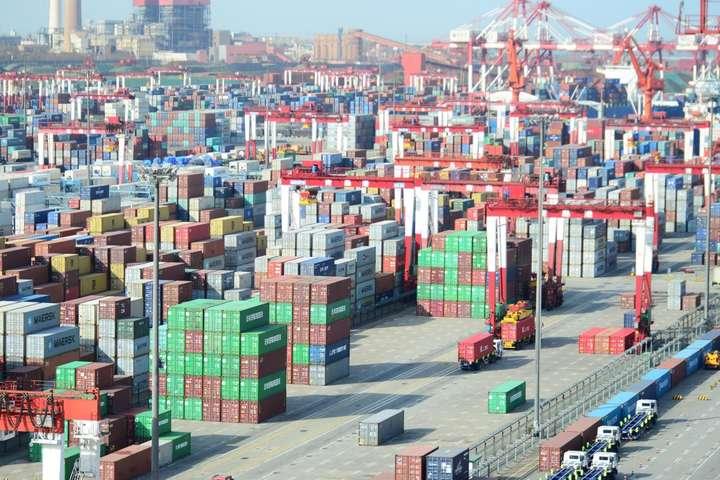 США вводять нові мита на товари з Китаю