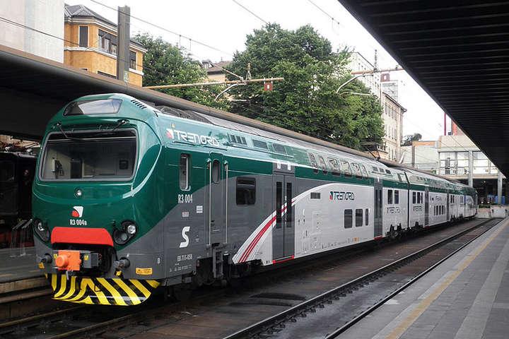 В Італії спалахнув скандал через антиромське оголошення в потязі