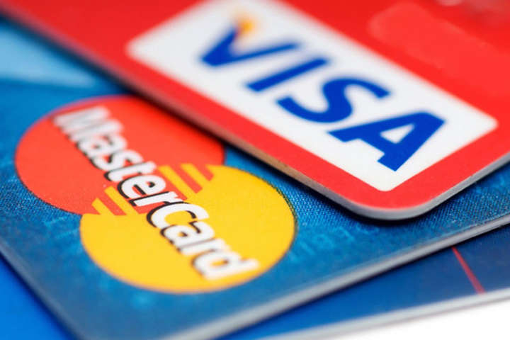 Окупований Крим повністю залишився без Visa і MasterCard