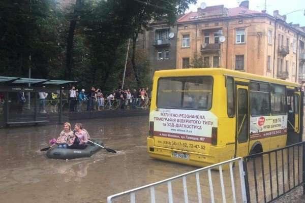 У Львові повністю відновили рух електротранспорту після негоди