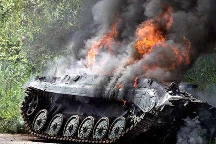 Військові на Донбасі знищили чотири БМП бойовиків