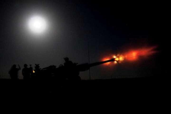 Артилерія на Донбасі - Бойовики вночі обстріляли позиції Об'єднаних сил з артилерії, є загиблий