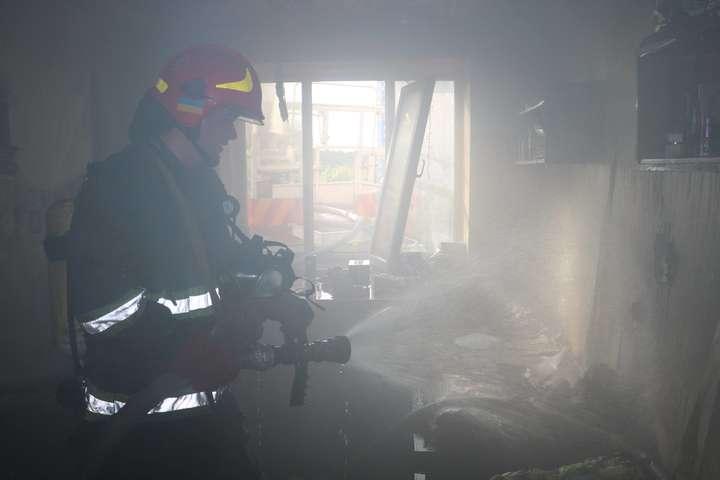 Наслідки пожежі - У Києві сталася пожежа в студентському гуртожитку dc039bc176345