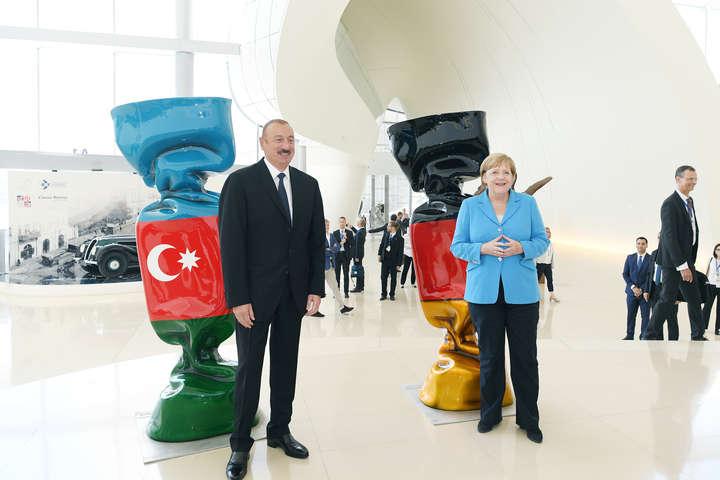 Алієв таМеркель - Меркель і Алієв хочуть більше газу для ЄС з Азербайджану