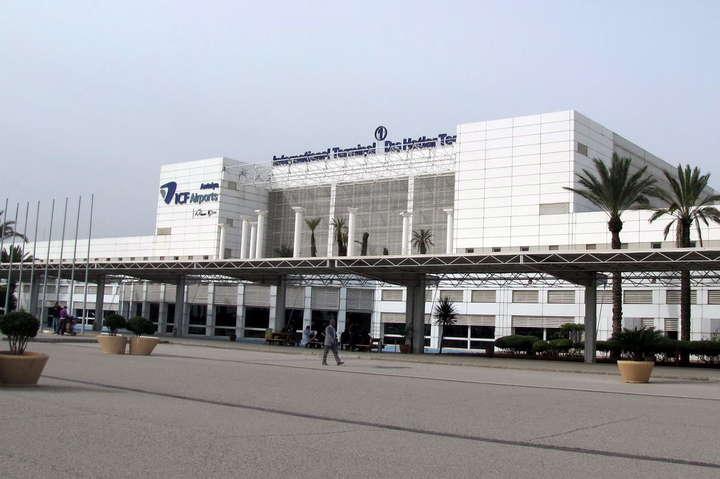 Українські туристи «застрягли» ваеропорту Анталії