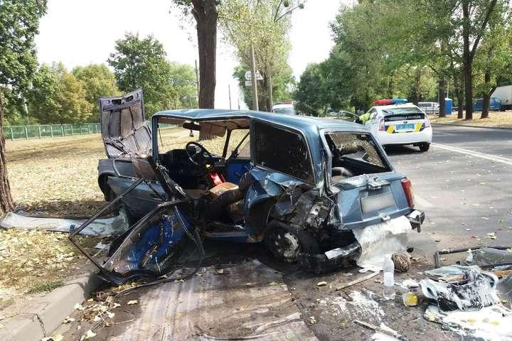 У Харкові зіткнулися Volkswagen та ВАЗ, є постраждалий