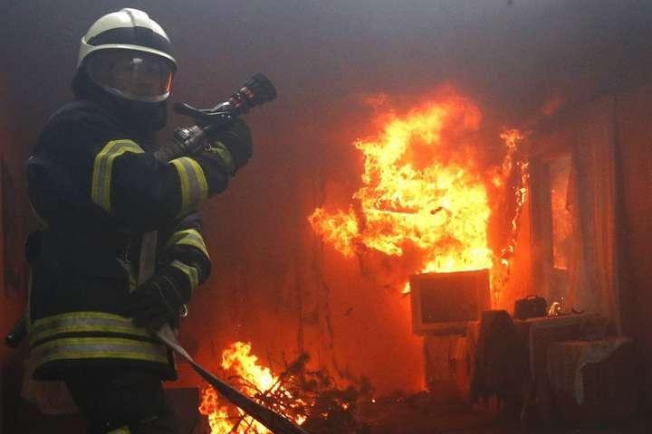 Вночі на Рожнятівщині горів будинок: на пожежі виявили тіло власниці
