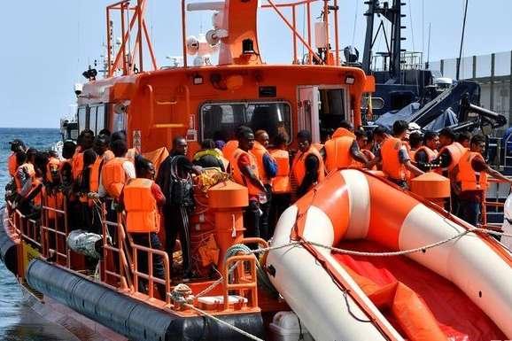 <span>Останні тижні в Іспанію по морю прибуває все більше біженців</span> - Берегова охорона врятувала понад 600 біженців у Середземному морі