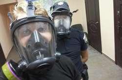 Фото: — Поліцейськінесуть службу в засобах захисту