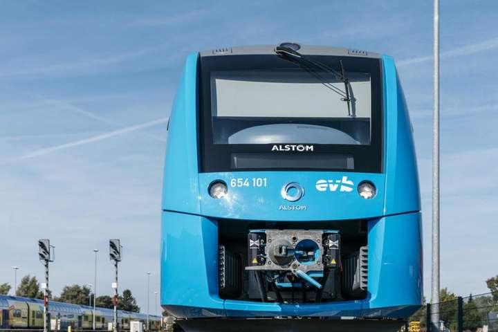 Перший усвіті потяг наводні виконав свій тестовий рейс у Німеччині