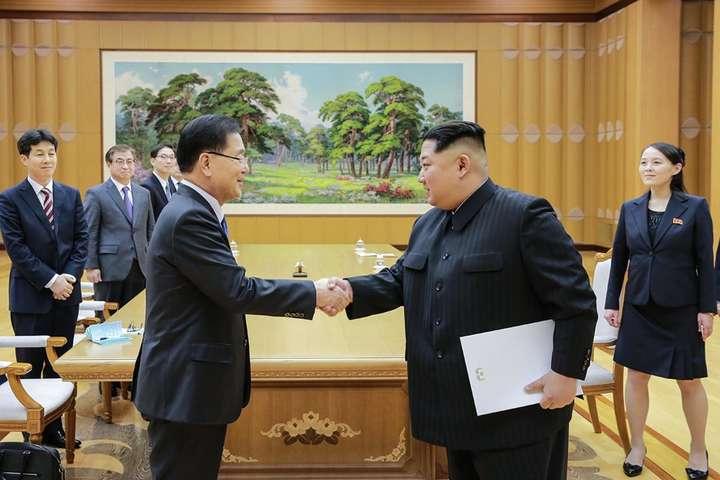 Мун Чже Ін прилетів до Північної Кореї на зустріч з Кім Чен Ином - Лідер Південної Кореї прилетів до Пхеньяна уперше за 11 років