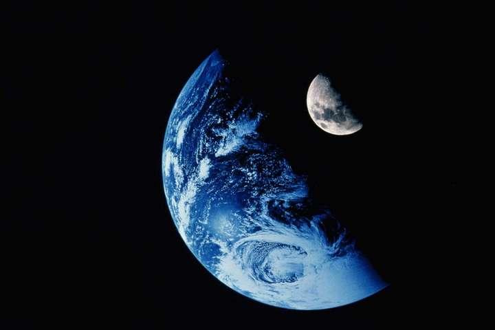 SpaceX назвала имя миллиардера который совершит первый в мире туристический полет вокруг Луны