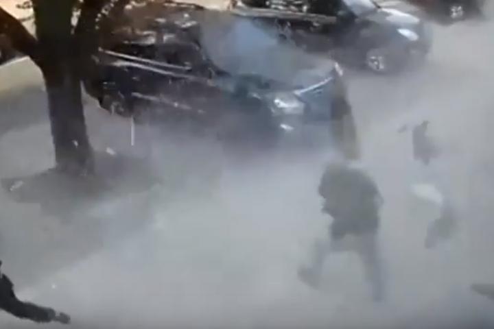 Вибух стався, коли Захарченко тільки зайшов до передпокою — З'явилося відео вибуху, який ліквідував Захарченка