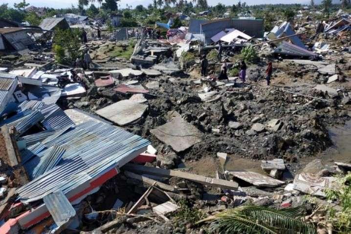 Понад 150 людей залишаються під завалами - Землетруси в Індонезії: кількість загиблих перевищила 1,5 тис. осіб