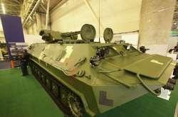 Фото: — На виставці представлені зразки сучасного озброєння та військової техніки