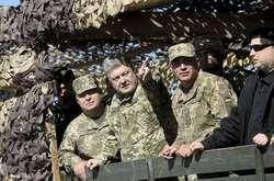 Фото: — Порошенко зазначив, що у ході навчань військові «відпрацювали на тверду «дванадцять»