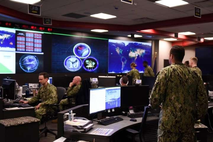 Пентагон повідомив про злом своєї бази даних - Хакери зламали базу даних Пентагону